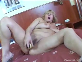 Sex Starved Mature In Sleazy Hotel Room