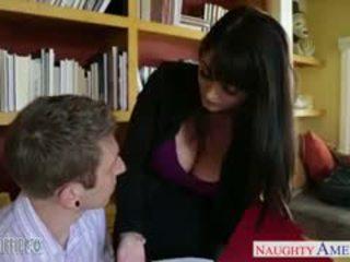 brunette đẹp, bộ ngực to trực tuyến, blowjob vui vẻ