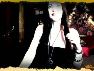 Morgana pendragon priestess de avalon viver webcam exposição breast provocação recording