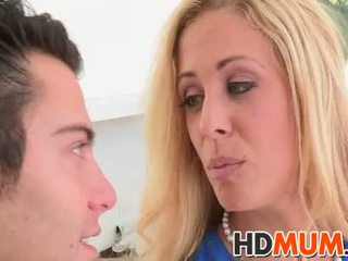 Licking lessons avec mum