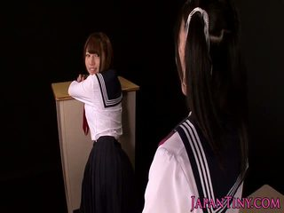 Japanese schoolgirl fingers squirting teen