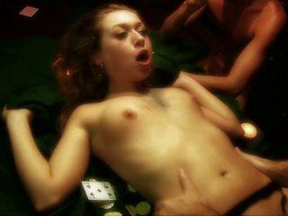 더러운 매춘부 gets gangbanged 에 a 포커 테이블 로 세
