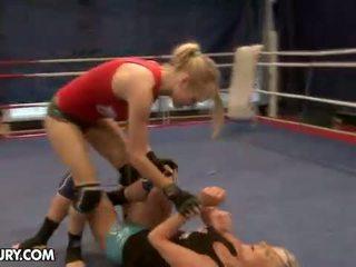Nudefightclub هدايا laura بلور vs michelle