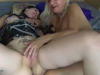Lesbiche giovane e matura donne
