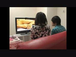 Moeder en zoon toekijken porno samen experiment 4