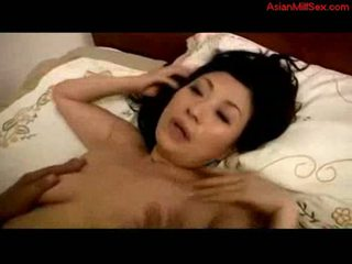 Mature woman fucked creampie on the bed