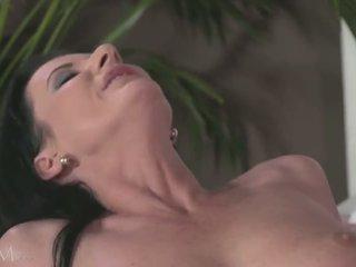 brunete, slaids, kissing