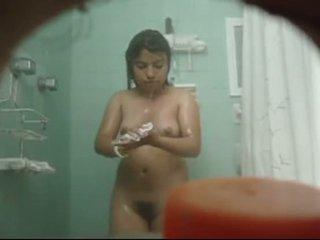 se desnuda