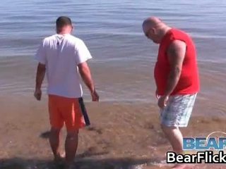 Gay bears Buzz Steele & Stefan Dupuis