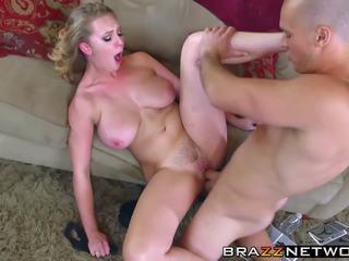 Groß titten blond flittchen im heat craves ein hardcore twat.