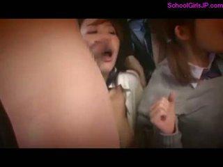 2 schoolgirls rapped fingered tvingat till s .