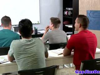 Празнене loving учител dominated в клас