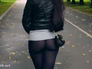 Jeny smith hög klackar svart strumpbyxor offentlig gå