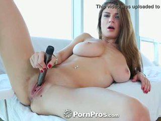 Pornpros - guy puts his kontol between hot dillion carters sampurna boobs