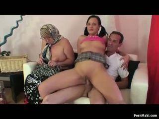 おばあちゃん 女性は女性男性 三人組