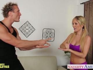 Krūtinga athlete tasha reign jojimas varpa