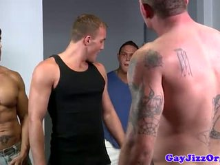 Alex andrews gets two cocks uz viņa mute