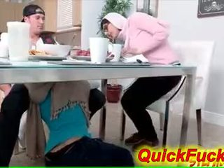 Мама seduces підліток daughters boyfriend