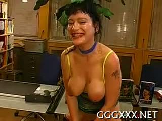 Hot Playgirl Takes Joy In Getting Her Face Filled With Jizz