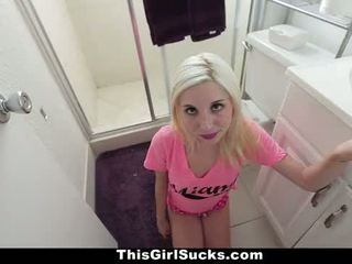 Thisgirlsucks - kurus rambut pirang stuffs besar kontol di dia mulut