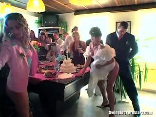 Esküvő sluts are baszás -ban nyilvános
