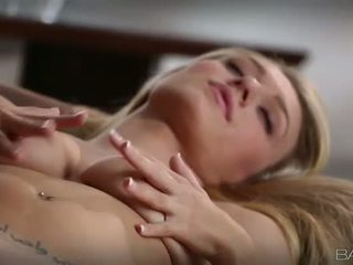 Tempting blondi natalia starr pleasuring
