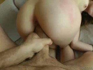 Πονηρό καριόλα ball licking και banged pov