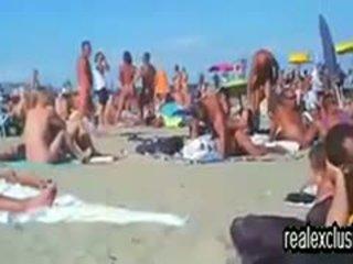 nice brunette, full swingers, beach