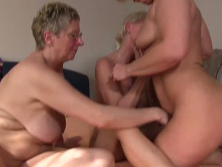 XXX Omas - Foursome Fuck for Naughty German Blonde...