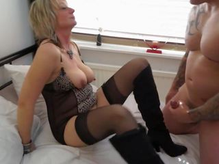 Sexy Mature Mother gets Sex Cuni and Cum, Porn d1