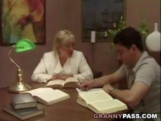 Mbah guru flirts with her mahasiswa, porno 75