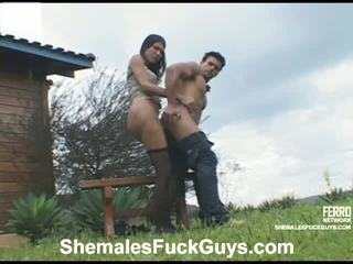 Bruna poax sikli aýal and pussyboy in action