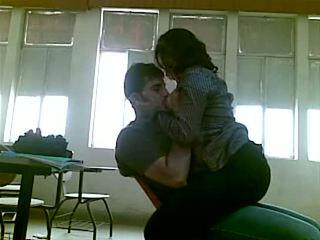 Iraqi sex ved college mustafa & yasmin - del 1