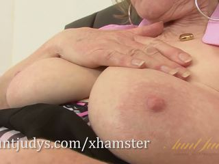 Over 60 Mature Model Pearl Shows Us Her Granny Body and