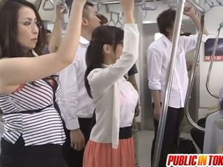 Japonais milf sucks bite en bus orgie
