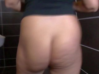 Mature Mother Broadcasting from Mens Toilet: Free Porn 20