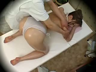 Spycam 时尚 模型 seduced 由 masseur 1