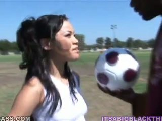 Sporty peach jayla starr having i bërë dashuria pas futboll nga oustanding e zezë zonker
