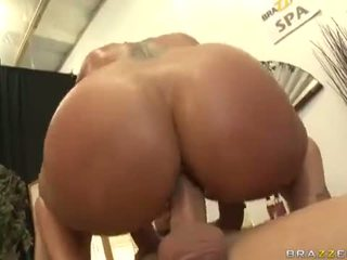 Flower tucci in sophisticated anaal destruction