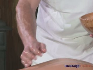 Massage Rooms Tall horny blonde sucks and fucks her way to mutiple orgasms - Porn Video 511