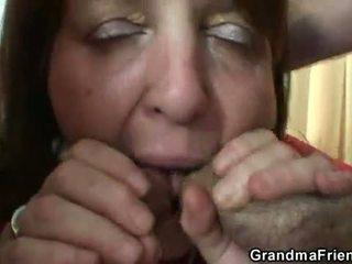 नॉटी ग्रॉनी takes two rods
