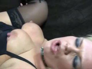 Rubia madura grande y bella anal