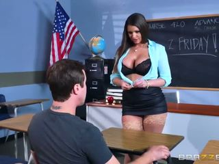 Brazzers - sexy milf brooklyn chase teaches son étudiant