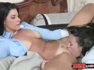 India Summer threesome with stepdaughter
