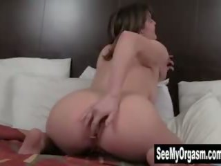 Sexy Sosha Masturbating Her Ass and Pussy