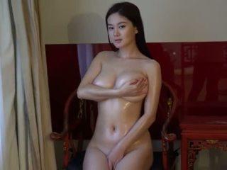 brunete, jauns, big boobs