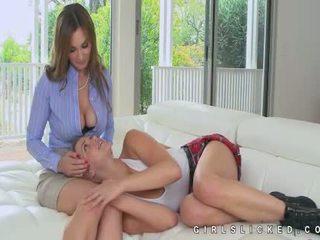 Mia malkova utrolig lesbisk seduction