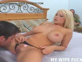 Дивіться ваш дружина starring в a хардкор порно