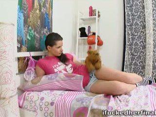 Simona yra an incredibly seksualu mergaitė