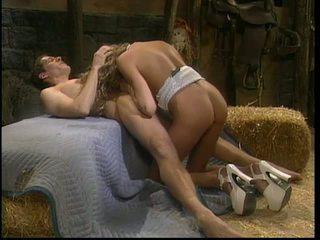 Nakal briana banks gets kacau oleh chauffeur di barn